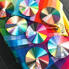 Online kleuradvies- kleurenanalyse | Style Consulting Seasonal Color Analysis, Season Colors, Seasons, Abstract, Artwork, Style, Summary, Swag, Work Of Art