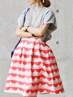 Gray Batwing Sleeve T-shirt And High Waist Circle Print Skirt