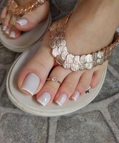 Frensh Nails, Chic Nails, Pedicure Nails, Stylish Nails, Swag Nails, Pink Nails, Pedicure Ideas, Pretty Toe Nails, Pretty Toes