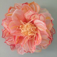 Vellum Paper Flower by Michele Tremblay -- via All Things Paper diy-flower-crafts-or-simply-inspiration Fake Flowers, Diy Flowers, Fabric Flowers, Beautiful Flowers, Flower Colors, Beautiful Boys, Diy Paper, Paper Art, Paper Crafts