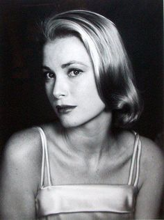 """Grace Kelly / When I first saw Grace Kelly in """"Rear Window"""" I was dumbfounded. I thought, """"WHO IS THIS BEAUTIFUL WOMAN?!"""" ❤"""