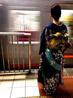 Kimono & Moving Train, Traditions & Modernity