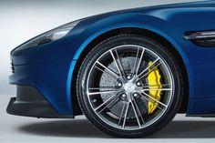 Aston Martin Vanquish Volante 5  - De Aston Martin Vanquish Volante: Smokin' Hot! - Manify.nl