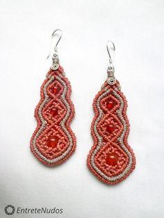 Styled long orange macrame earrings with orange by EntreteNudos