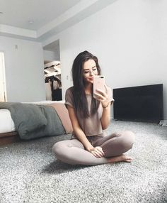 @riddhisinghal6/ Jess Conte Fashion, outfit, ootd, body goals, wadrobe, clothes, top, jeans, heels, dress, clothing, celebrities, models, girl, asthetic, photography, want, hair, hairstyle