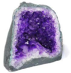 ametista matéria sobre pedras preciosas no blog blog.leticiabidigaray.com