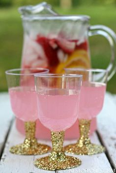 Add some sparkle to your next party! DIY Glitter Party Cups! Create this look for pennies!