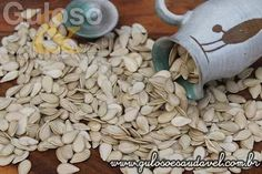 Sabia que as sementes de abóbora são usadas na medicina há muitos séculos?  Razões Para Consumir Sementes de Abóbora!    Artigo aqui => http://www.gulosoesaudavel.com.br/2016/03/10/%ef%bb%bfrazoes-para-consumir-sementes-abobora/