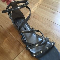 """Selling this """"American Eagle sandals"""" in my Poshmark closet! My username is: alex_xo13. #shopmycloset #poshmark #fashion #shopping #style #forsale #American Eagle by Payless #Shoes"""