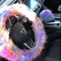 Metal Wall Art Home Decoration Car Interior Accessories, Car Accessories For Girls, Fuzzy Steering Wheel Cover, Steering Wheels, Girly Car, Car Goals, Cute Cars, Rear View Mirror, Baby Car Seats