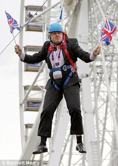 Mayor of London Boris Johnson after he gets stuck on a zip-line during BT London Live in Victoria Park on August 1 - Rule Britannia! London Live, Mayor Of London, East London, Boris Johnson Funny, 1990s, Changing Jobs, Red Button, London, Humor