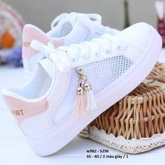Cute Sneakers, Girls Sneakers, Girls Shoes, Cute Girl Shoes, Shoes Women, Shoes Sneakers, White Nike Shoes, Nike Air Shoes, Fashion Boots