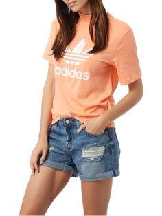 adidas Originals T-Shirt mit Logo-Print Rosé - 1 Adidas Originals, The Originals, V Neck, Logo, Outfit, T Shirt, Women, Fashion, Outfits