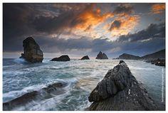 Luis M Molina Photography © 07/08/0021- Costa Quebrada- Cantabria -España - Playa de Arnia  -  Explore 7 de Agosto 2012 [http://www.flickr.com/explore/interesting/2012/08/07/page37/] by Luis M Molina Photography ©, via Flickr | #landscape #seascape #water #clouds #sunset