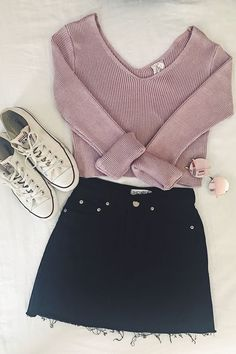 Can't get enough of this outfit! 2019 Can't get enough of this outfit! The post Can't get enough of this outfit! 2019 appeared first on Outfit Diy. Teen Fashion Outfits, Mode Outfits, Skirt Outfits, Look Fashion, Outfits For Teens, Trendy Outfits, Black Outfits, Black Mini Skirt Outfit, Black Skirts