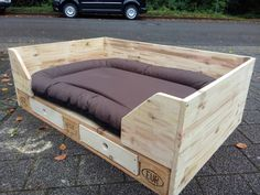 Wood Pallet XXL dog bed made of Europalette by Dirks and the DaWanda on DaWanda Pallet Dog Beds, Pallet Walls, Pallet Furniture, Furniture Ideas, Xxl Dog Beds, Cute Dog Beds, Wooden Pallet Crafts, Diy Pallet Projects, Pallet Ideas