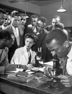 Instructor Gloria Hixon conducting Zoology class at Howard University, Washington DC, 1946. From Life magazine.