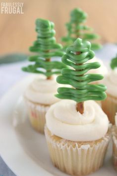 Make these adorable cupcake toppers for your next holiday party!