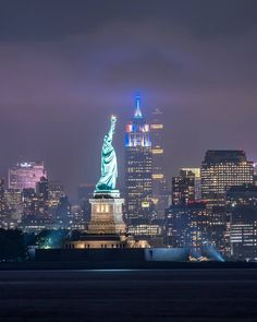 Manhattan views by @fullmetalphotos New York City Feelings The Best Photos and Videos of New York City including the Statue of Liberty, Brooklyn Bridge, Central Park, Empire State Building, Chrysler Building and other popular New York places and attractions.