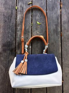 Our Hayley satchel's perfectly crafted soft silhouette is the ideal compliment to your already wonderful wardrobe.  Shop quality vegan handbags https://www.88handbags.com