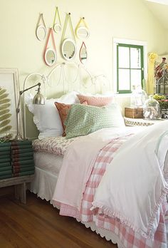 What is it about layer upon cozy layer on a bed that attracts me so much?  A pain to make, but oh so pretty!