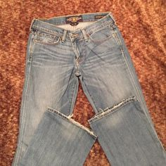 """Lucky Brand jeans Size 26 Sweet N Low Lucky Brand jeans. 32"""" inseam some fray accent to the jeans when new a bit more at the bottom back of the legs. Very soft and super comfortable. I am a definite 26 and these run big I'd say more a relaxed fit not the tight version of Lucky jeans. Lucky Brand Jeans Boot Cut"""