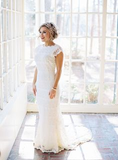 Romantic lace bridal look: http://www.stylemepretty.com/little-black-book-blog/2016/04/27/find-out-how-these-classmates-went-from-hola-to-i-do/ | Photography: Graham Terhune - http://grahamterhune.com/