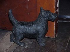 Antique Victorian Scottie Dog Doorstop Figure With Glass Eyes         ****