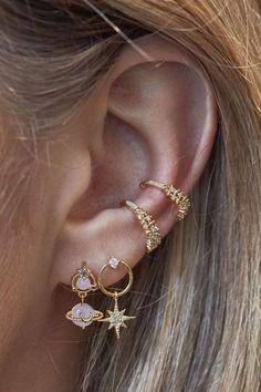 """bella ✨ on Twitter: """"… """" Geode Jewelry, Ear Jewelry, Jewelry Accessories, Fine Jewelry, Jewelry Ideas, Jewelry Trends, Jewlery, Jewelry Logo, Jewellery Rings"""