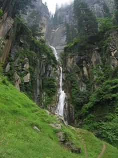 Gypsy Shack brings you 10 trekking trails to tread in and around Manali!