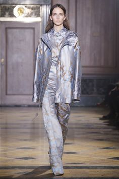 Sophie Theallet Fall 2016 Ready-to-Wear Collection Photos - Vogue Fashion Week, High Fashion, Fashion Show, Fashion Fashion, Sophie Theallet, Vogue Russia, Fall Collections, Vogue Paris, Fall 2016