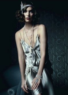 Tiffany's The Great Gatsby Collection, modelled by Keira Knightley in Vanity Fair. Modern twist on old time glitz and glamour Great gatsby inspired Modern take on fashion Look Gatsby, Gatsby Style, Gatsby Girl, Flapper Style, 1920s Style, Flapper Girls, Jay Gatsby, 1920s Flapper, Estilo Gatsby