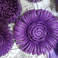 "116 Likes, 17 Comments - студия "" Rose"" г. Талдыкорган (@dzhuletta27) on Instagram: ""Новые серединки для нового стенда...процесс пошел..#paperflowers #paperflower #papercraft…"""