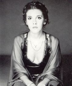 Stevie Nicks 1970...Looks so much like carrie fisher in this pic!! Princess Leia inspiration??????