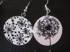 Boucles d'oreilles plastique fou pissenlit Paper Earrings, Paper Jewelry, Wire Jewelry, Jewelry Crafts, Jewelry Art, Handmade Jewelry, Plastic Fou, Shrink Plastic, Polymer Clay Crafts