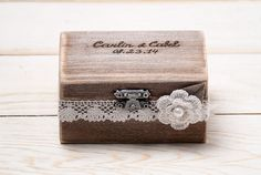 Ring Bearer Box Personalized Rustic Ring by InesesWeddingGallery, €25.50 and could keep on dresser after using for wedding