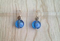 Boucles d'oreilles Argent 925 perles de verre filé au chalumeau bleu avec murrine : Boucles d'oreille par auverredoz