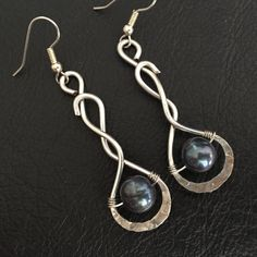 hand made thick silver wire pearl earrings by BLLstudio