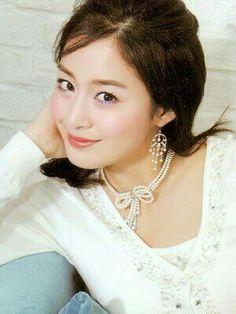 Lee Wan, Kim Tae Hee, Photo Galleries, Pearl Necklace, Girls, 21st, Actresses, Drop Earrings, Model