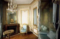 Marie Antoinette's Meriedienne cabinet in Versailles