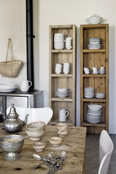 From reclaimed wood to antiques, there are countless ways to amp up your kitchen's country style. Obtain our best ideas for creating a sophisticated, rustic, vintage, modern and small farmhouse kitchen decor. Decor, Home Kitchens, Kitchen Decor, Furniture, Shelves, Upcycled Furniture, Interior, Home Decor, House Interior