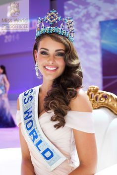 [attach] At the Miss World pageant in London 2 years ago, the first place award went to Miss South Africa, Rolene Strauss. Strauss, a medical student,. Pageant Makeup, Beauty Pageant, Miss America Contestants, Miss World 2014, Pageant Questions, Pageant Tips, Pageant Gowns, Miss Mundo, World Winner