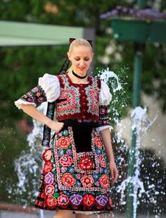 Podpolanie, Dobrá Niva, Slovakia Costumes Around The World, Heart Of Europe, Folk Embroidery, Beautiful Costumes, Folk Costume, World Of Color, People Of The World, Costumes For Women, Traditional Outfits