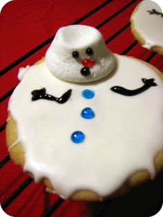 Melting Snowmen Cookies   So gonna have to do these at the Little Flock Cookie Bake next weekend with the kids!