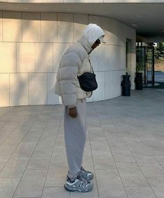 Rapper Outfits, Blazer Outfits Men, Boy Outfits, Street Style Outfits Men, Stylish Mens Outfits, Mode Streetwear, Streetwear Fashion, Poses, Chill Outfits