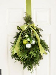A Delightful Design: Christmas Decorating 101: front door + the unexpected