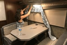 How To Re-Cover RV Window Valances (No Sewing!) Updating RV window valances or caravan window valances. So nice to see that there's an easy way to do this for a caravan makeover or RV makeover. Camping Hacks, Camping Diy, Travel Trailer Camping, Camping Ideas, Rv Hacks, Travel Trailers, Camping Essentials, Travel Trailer Decor, Travel Trailer Remodel
