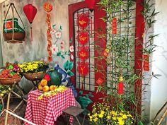 Xuân đã về Chinese New Year Decorations, New Years Decorations, Festival Decorations, Chinese Arts And Crafts, Chinese Party, Chinese New Year Design, Seasonal Decor, Holiday Decor, New Year Holidays