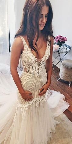Brides dress. All brides imagine finding the perfect wedding, but for this they require the perfect bridal dress, with the bridesmaid's dresses actually complimenting the brides-to-be dress. These are a number of suggestions on wedding dresses.