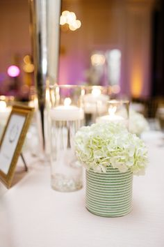 Tre Bella Flowers/ Erin McLean Events / Robyn Van Dyke Photography  Read More: http://www.stylemepretty.com/mid-atlantic-weddings/2014/04/21/preppy-durham-north-carolina-wedding-at-the-carolina-inn/